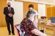 V Konici odstartoval pilotní projekt očkování seniorů 80+