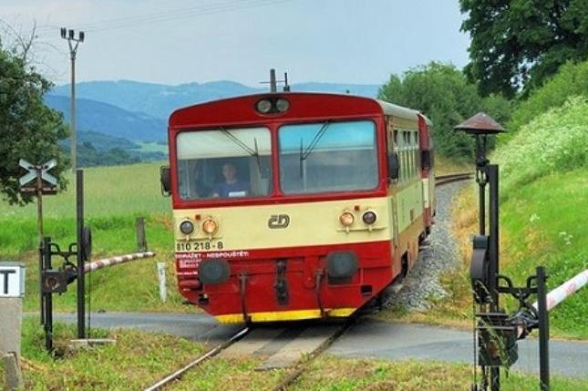 Provoz na málo využívaných lokálních tratích nahradí kraj autobusy